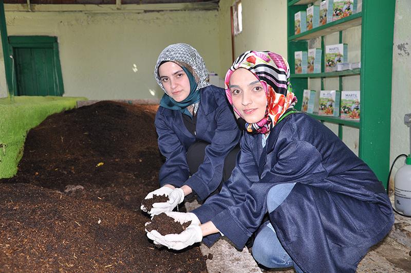 Elbistanlı ev hanımlarının başarısı! 4 milyon solucan ürettiler