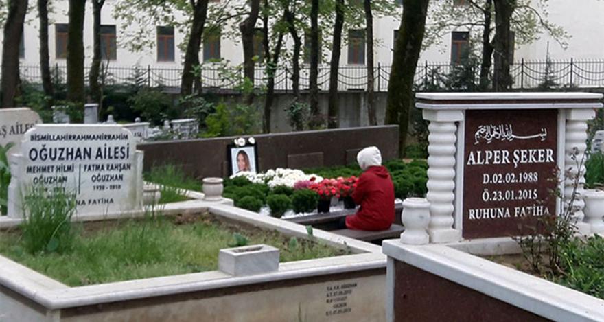Mina Başaran'ın annesi düğün gününde kızının mezarına koştu