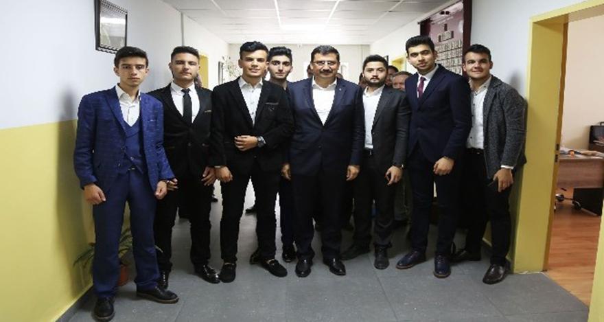 Mustafa Ak, lise öğrencileriyle buluştu