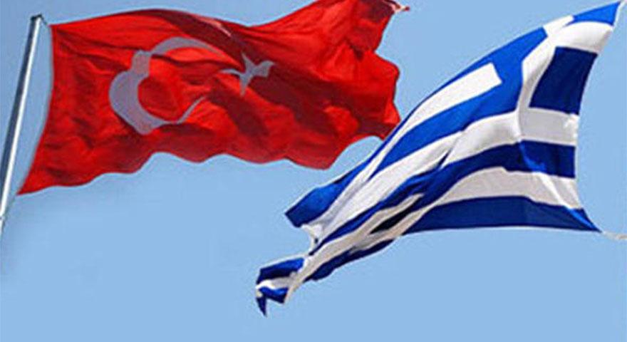 Ege'de gerilim! Yunan bayrağı diktiler, Sahil Güvenlik hemen indirdi!