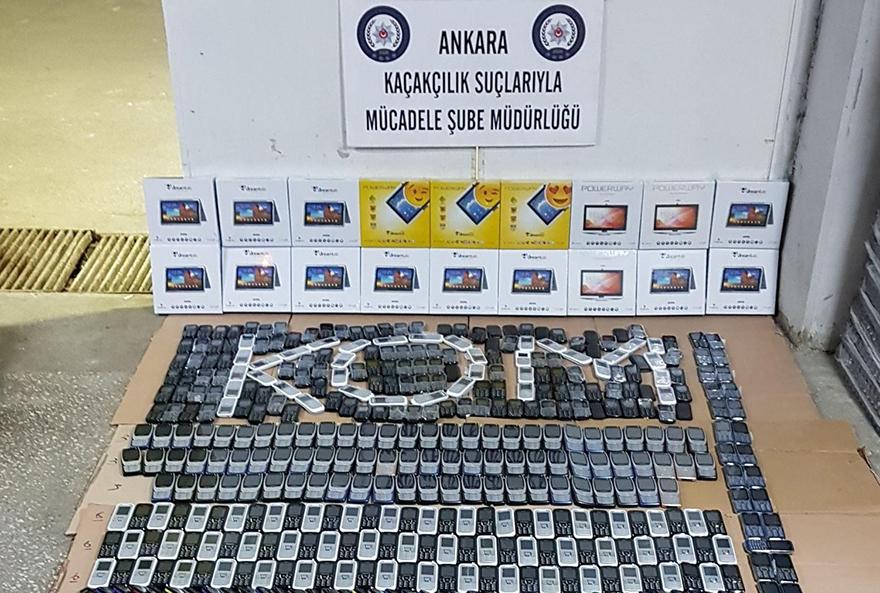 Ankara'da1,5 milyon liralık kaçak cep telefonu ele geçirildi