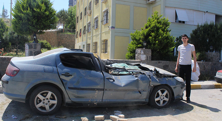 Arabasını böyle görünce şaşkına döndü! Firma zararını karşılamıyor!