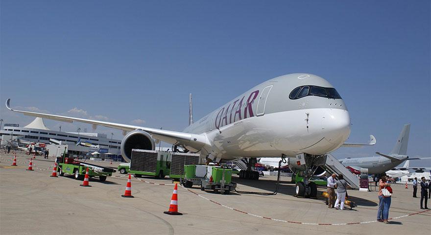 Dünyada sadece bir tane olan dev Katar uçağı kapılarını açtı