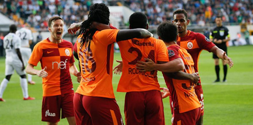 Galatasaray Akhisarspor'u 2-1 mağlup etti