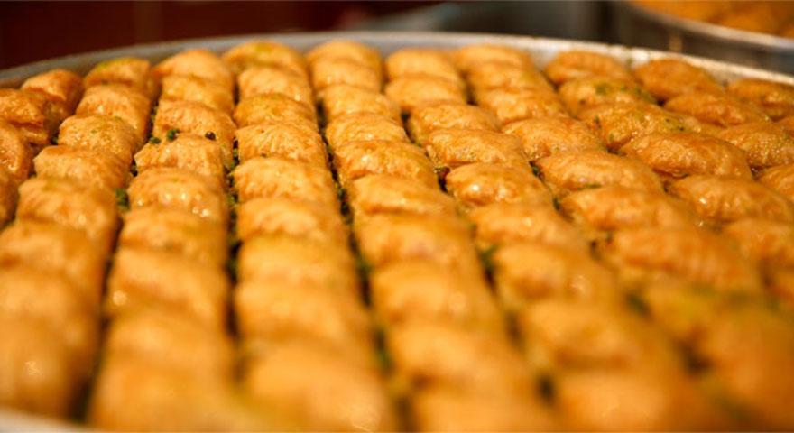Fıstık fiyatları baklavayı vurdu! Ramazan'da fıstıklı baklava olmayacak