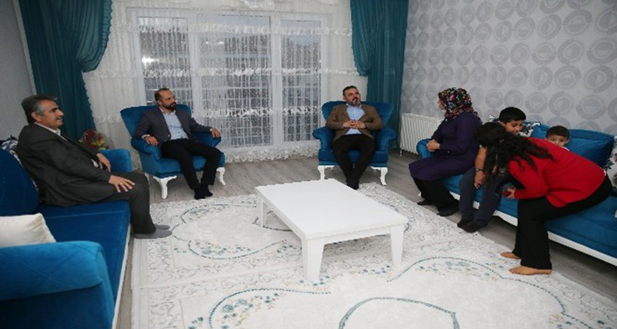 Sincan Belediye Başkanı Murat Ercan şehit anneleri ziyaret etti