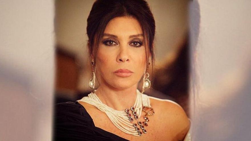 Usta oyuncu Nebahat Çehre annesini kaybetti