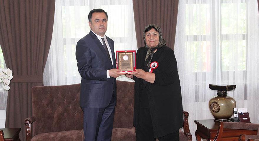 Şehit annesinden Çakır'a ziyaret