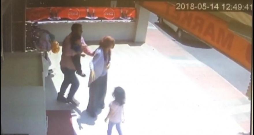 Mersin'de karısını ve çocuklarını kendine siper etti