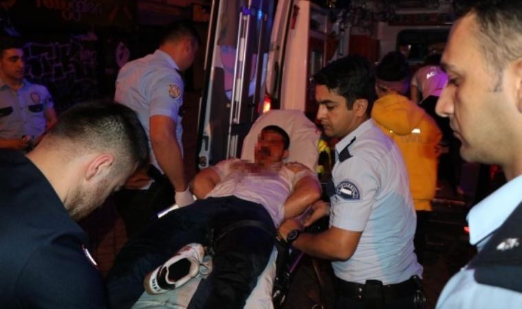 İstanbul'da iki kişi arasında bıçaklı kavga, 1 ağır yaralı