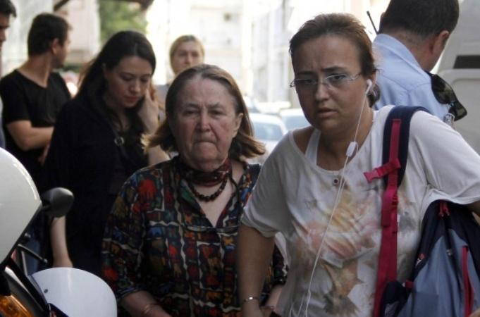 Antalya'da doktoru etkisiz hale getirip gasp ettiler