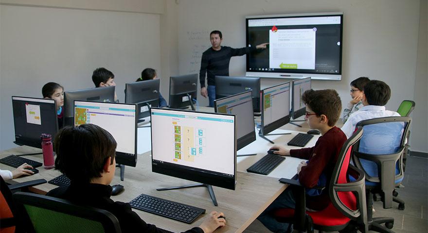 Çocuklara teknoloji kampı