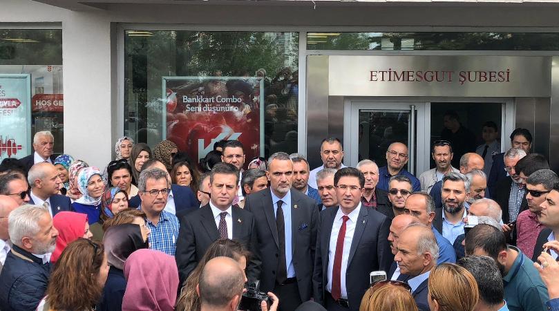 AK Parti Etimesgut İlçe Başkanı Ebubekir Kipel: Gönülden bağış yaptık