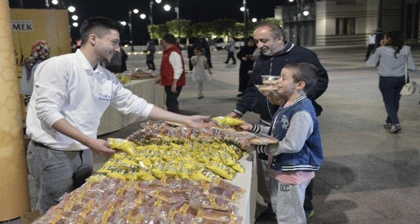 Ankara Halk Ekmek'den teravih sürprizi