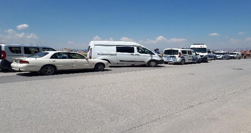 Ankara'da otomobilde sır ölüm