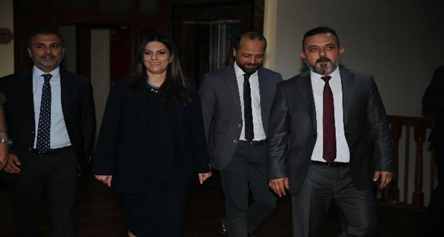 Jülide Sarıeroğlu, Sincanlı kadınlarla sahur programında bir araya geldi.
