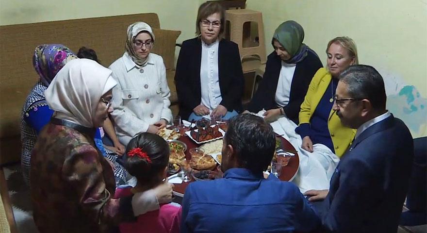 Emine Erdoğan'dan Çevik ailesine ziyaret