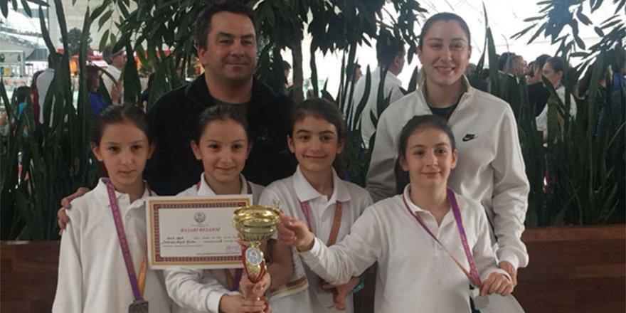 Minik Kız Satranç Takımı Ankara ikincisi oldu