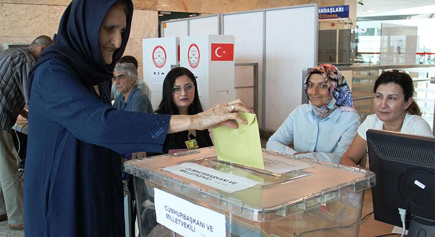 Esenboğa'da oy verme işlemi sürüyor