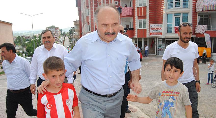Erhan Usta: MHP, ülkenin menfaatini düşünen bir siyasi partidir