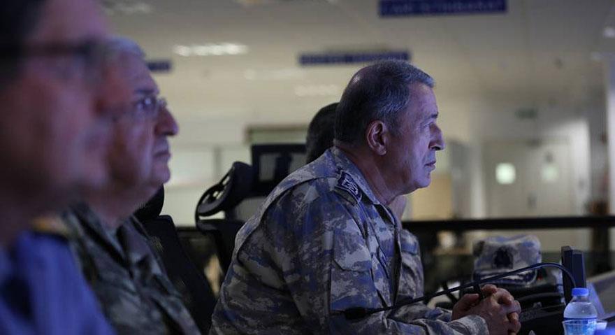 Akar, Irak'ın kuzeyinde yürütülen harekatı takip etti