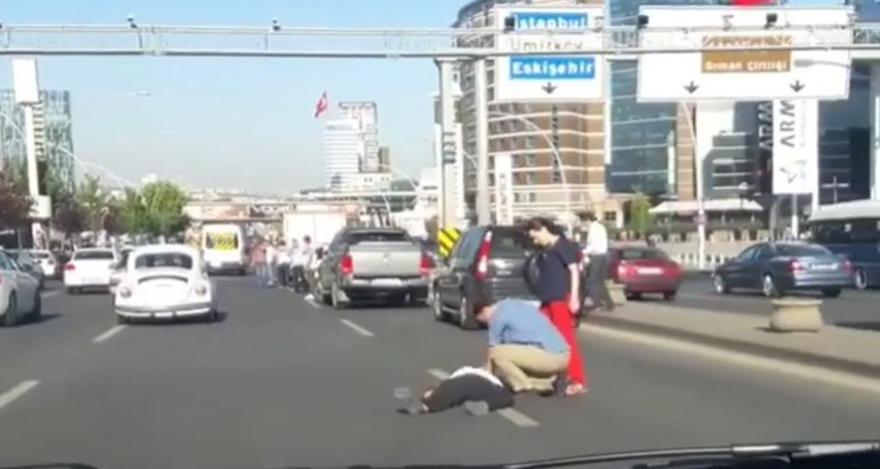 Ankara,'da çarptığı yayaya kalp masajı yaptı
