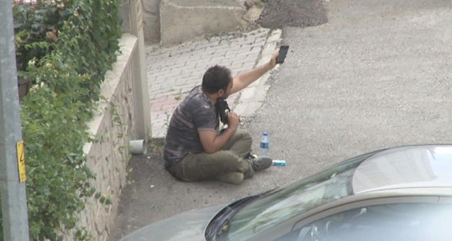 Ankara'da baba başına silah dayadı
