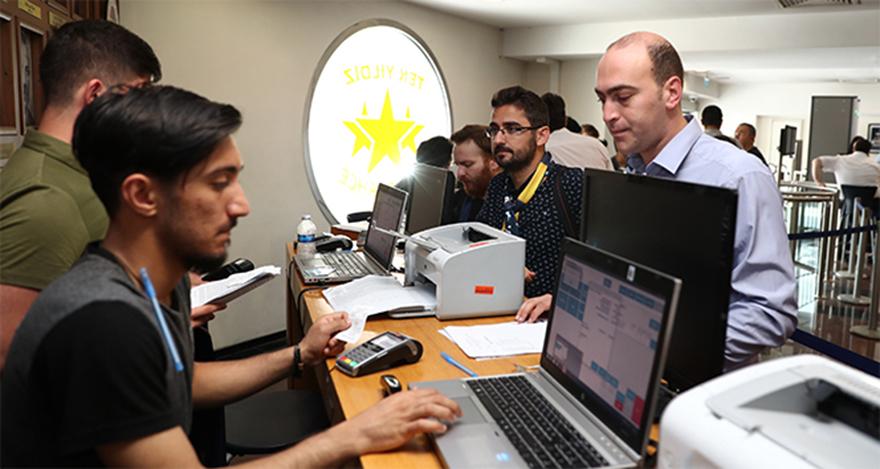 Fenerbahçe'de kombine yenilemeleri başladı