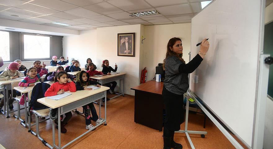 Büyükşehir'den mültecilere destek