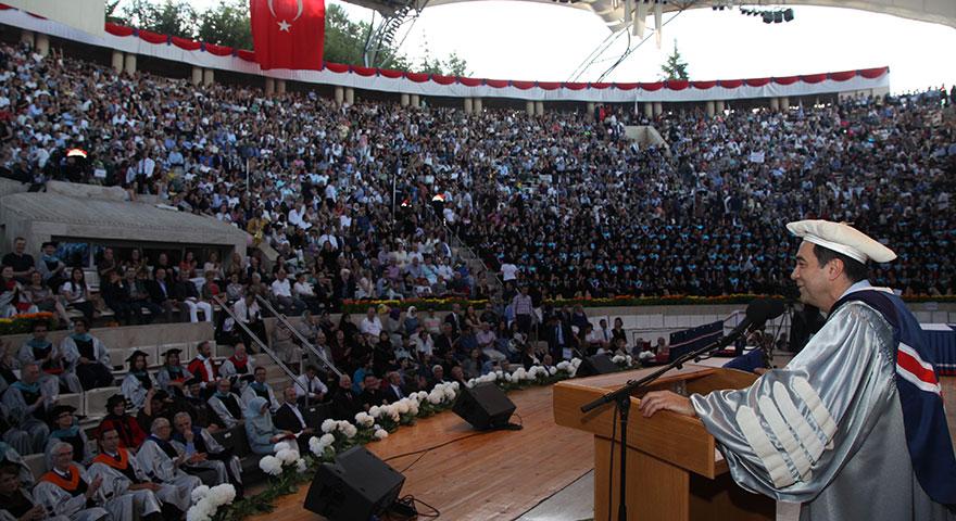 Bilkent 2018 yılı mezunlarını uğurladı