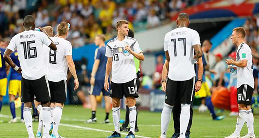 Almanya son saniyede kazandı!