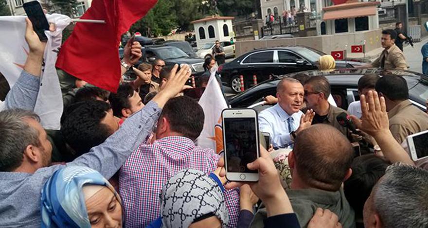 Cumhurbaşkanı Erdoğan Huber Köşküne geçti