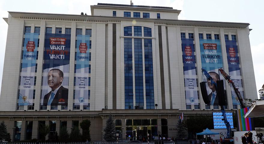 AK Parti Genel Merkezinde hazırlıklar tamam