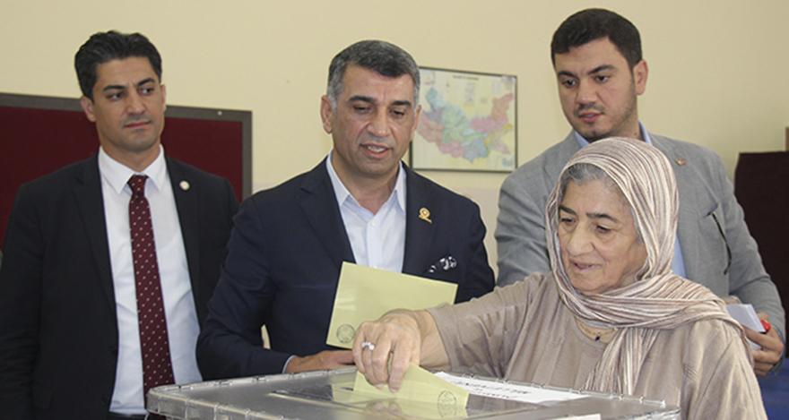 CHP, 41 yıl sonra Elaziğ'dan milletvekili çıkardı