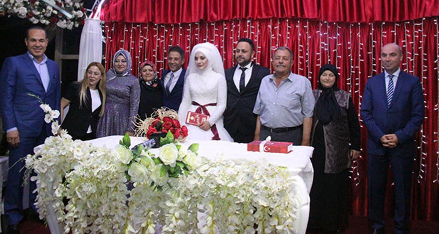 Mustafa Yıldızdoğan kızını evlendirdi
