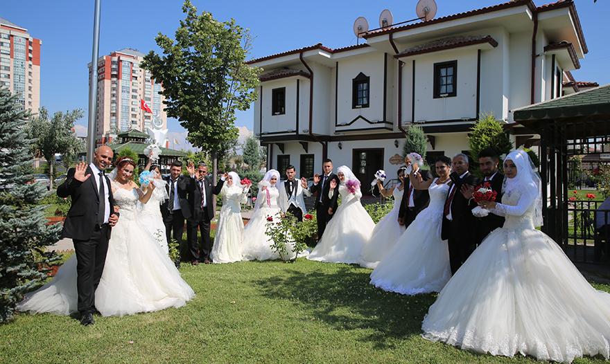 Etimesgut'ta muhteşem düğün