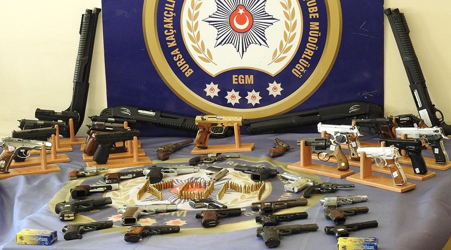 Bursa'da kaçak silah operasyonu: 9 tutuklu
