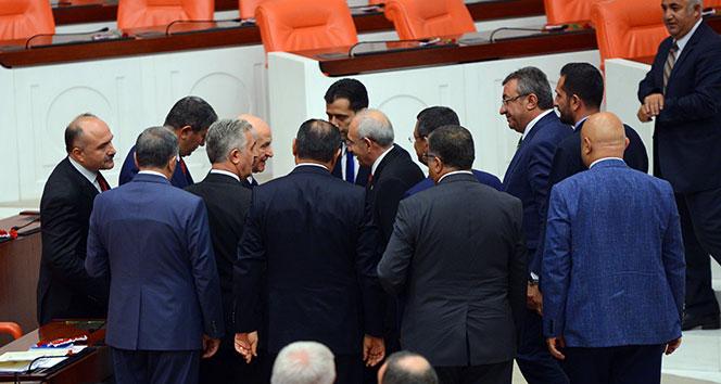 İki lider mecliste görüştü