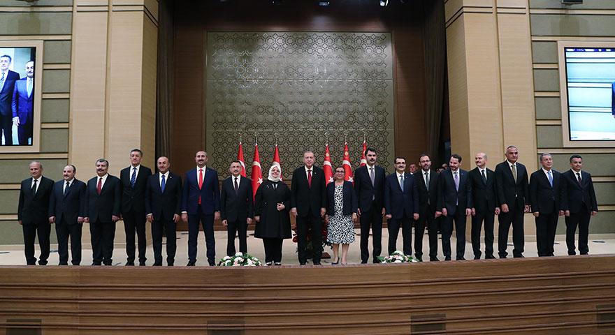 Cumhurbaşkanı Erdoğan yeni kabineyi açıkladı! Kabinede 12 yeni isim