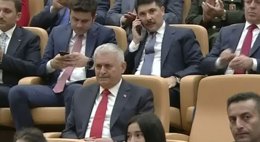 Başkan Erdoğan'dan Yıldırım'a şeref madalyası!