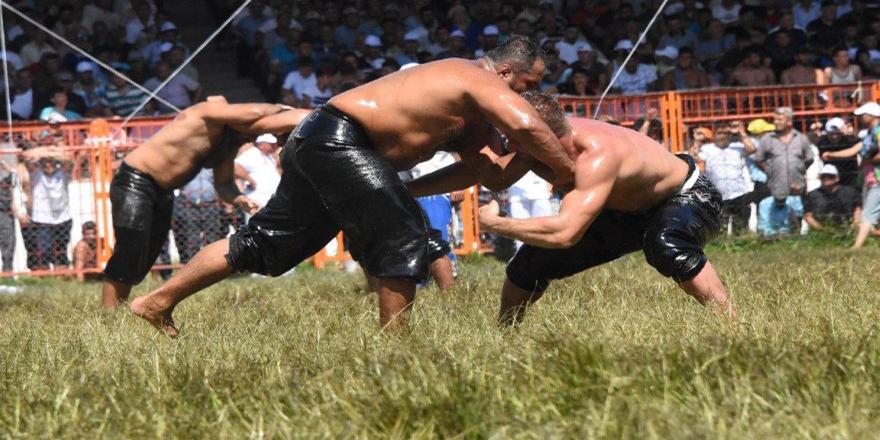 Kırkpınar güreşlerinde 2 hakem görevden alındı