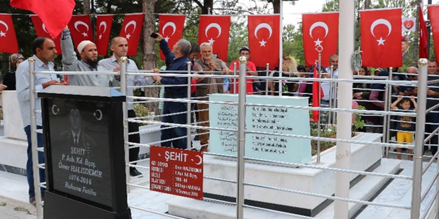 Ömer Halisdemir mezarı başında anıldı