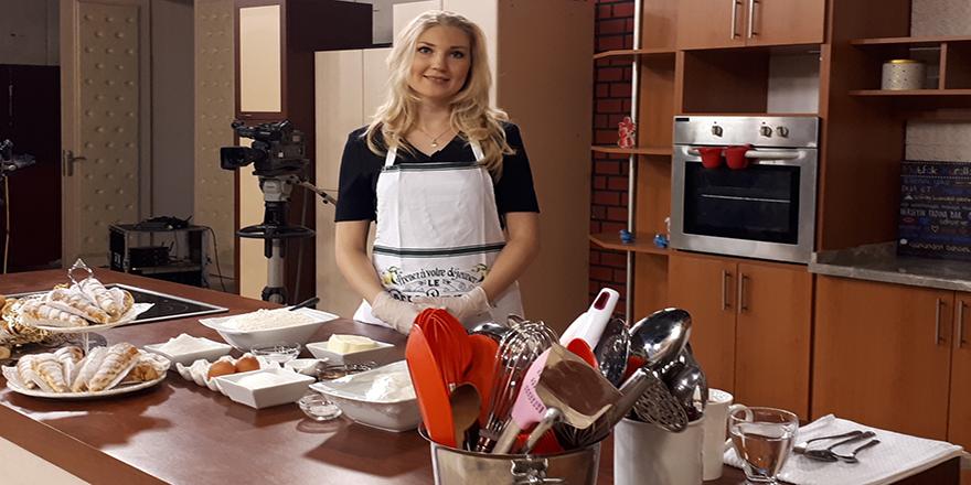 Ankara'da yaşayan Rus gelin Zguşonka üretiyor