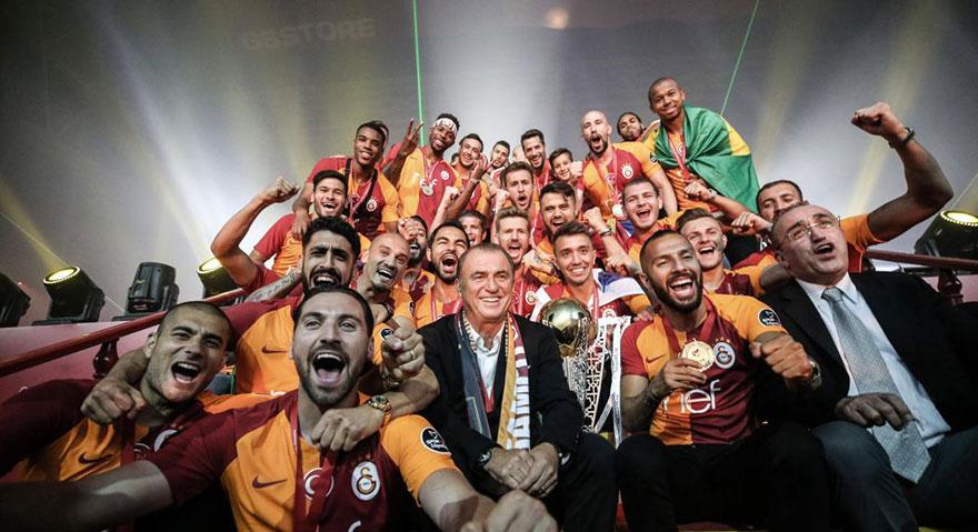 Galatasaray Avrupa'da ilk 5'ten düşmedi! Barcelona yine zirveyi kaptı!