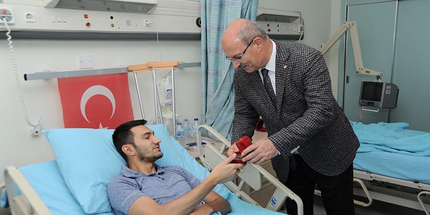 ATO Başkanı Baran'dan terör gazilerine ziyaret