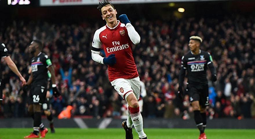 Arsenal'den Almanya'ya tokat gibi Mesut cevabı!