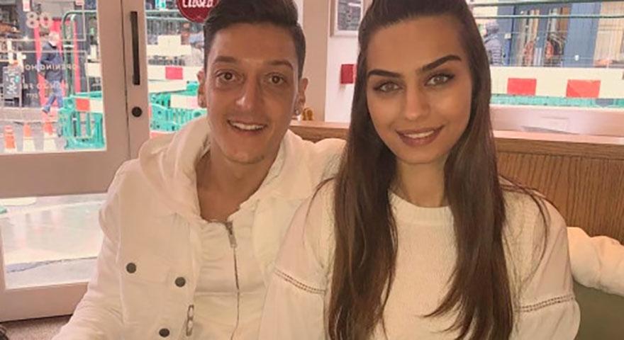 Alman basını Özil'in nişanlısı Amine'yi hedef aldı