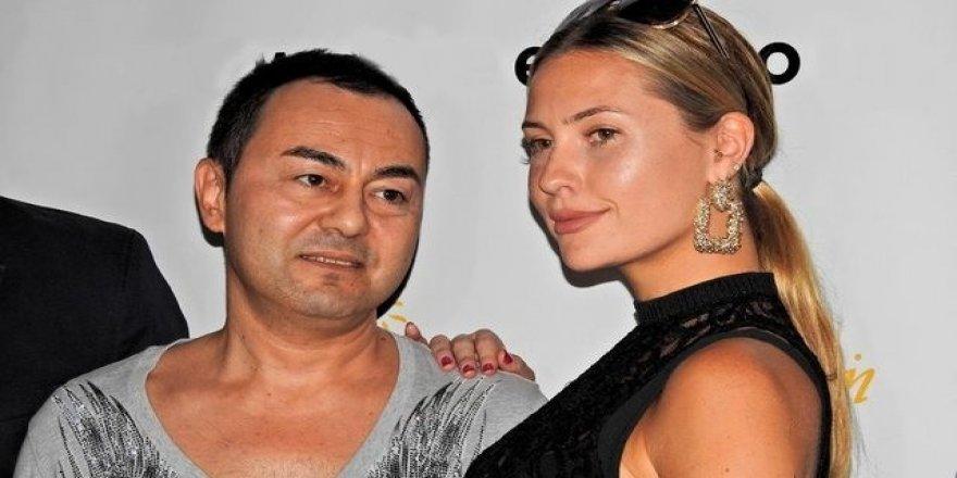 Serdar Ortaç'ın eşi Chloe, transparan kıyafetiyle şaşı etti