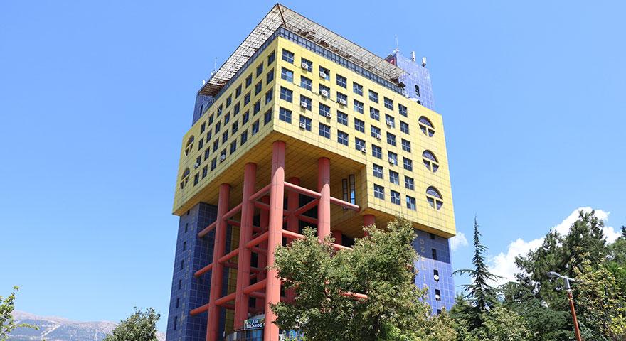İşte 'dünyanın en saçma binası'