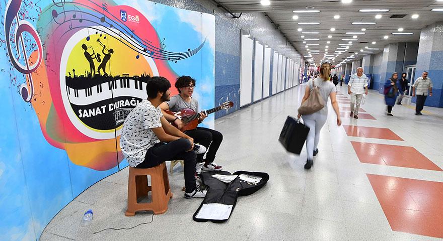 Başkent metroları sanata kapılarını açıyor
